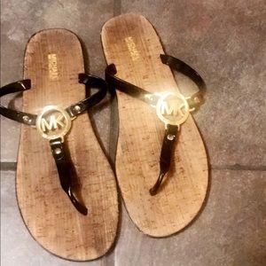 Shoes - Micheal Kors sandals😍